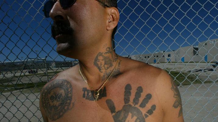 Tatouage main noire - Mafia Mexicaine