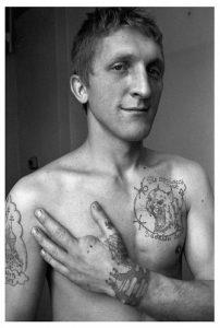 Tatouage menottes des prisonniers russes
